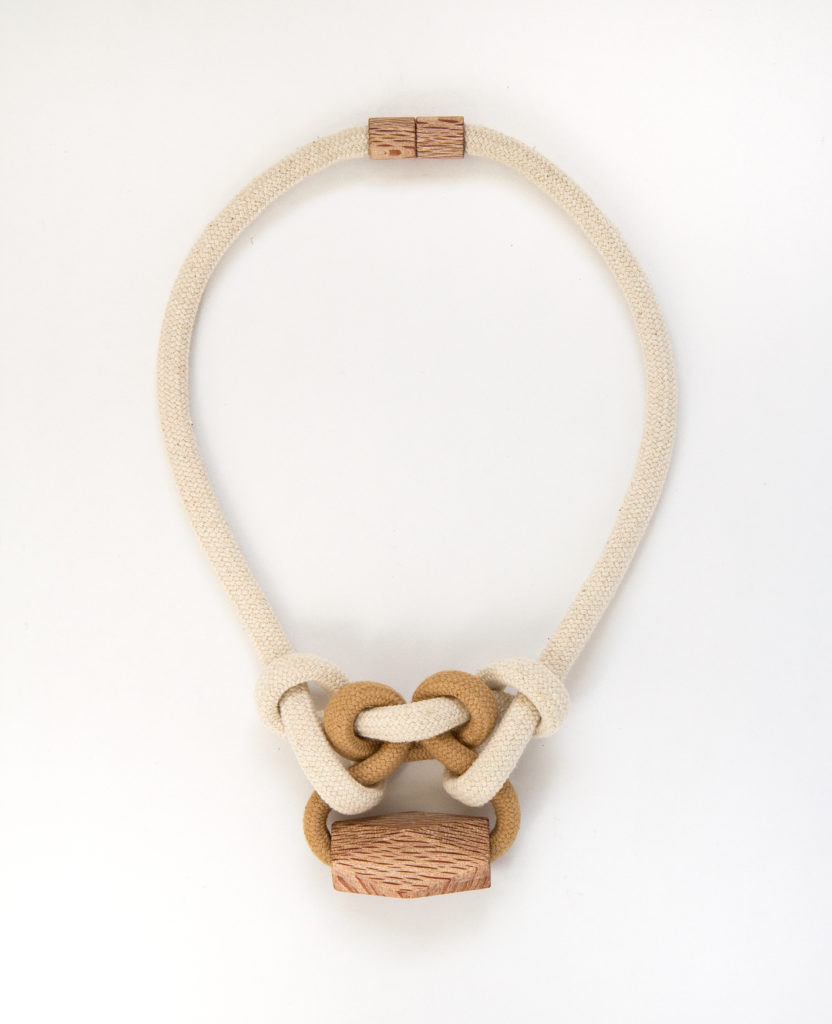 Tea knotted necklace