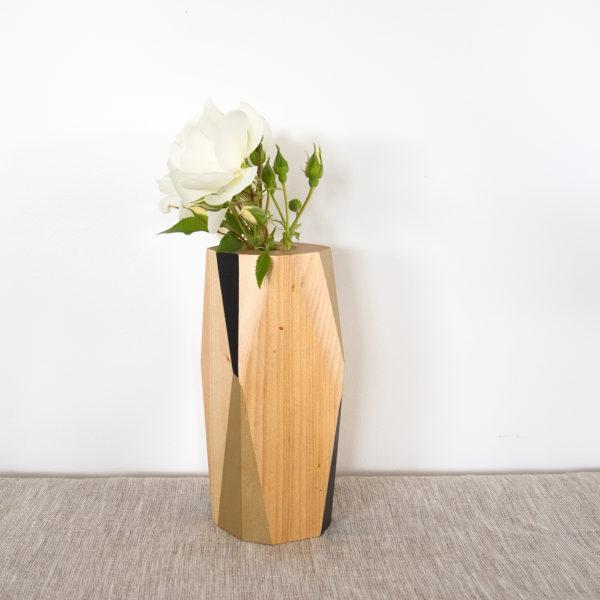 Vase black and gold