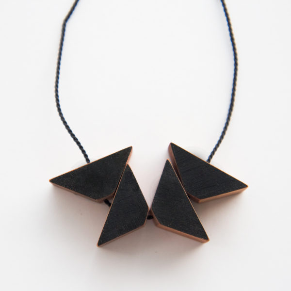 Black triangles necklace