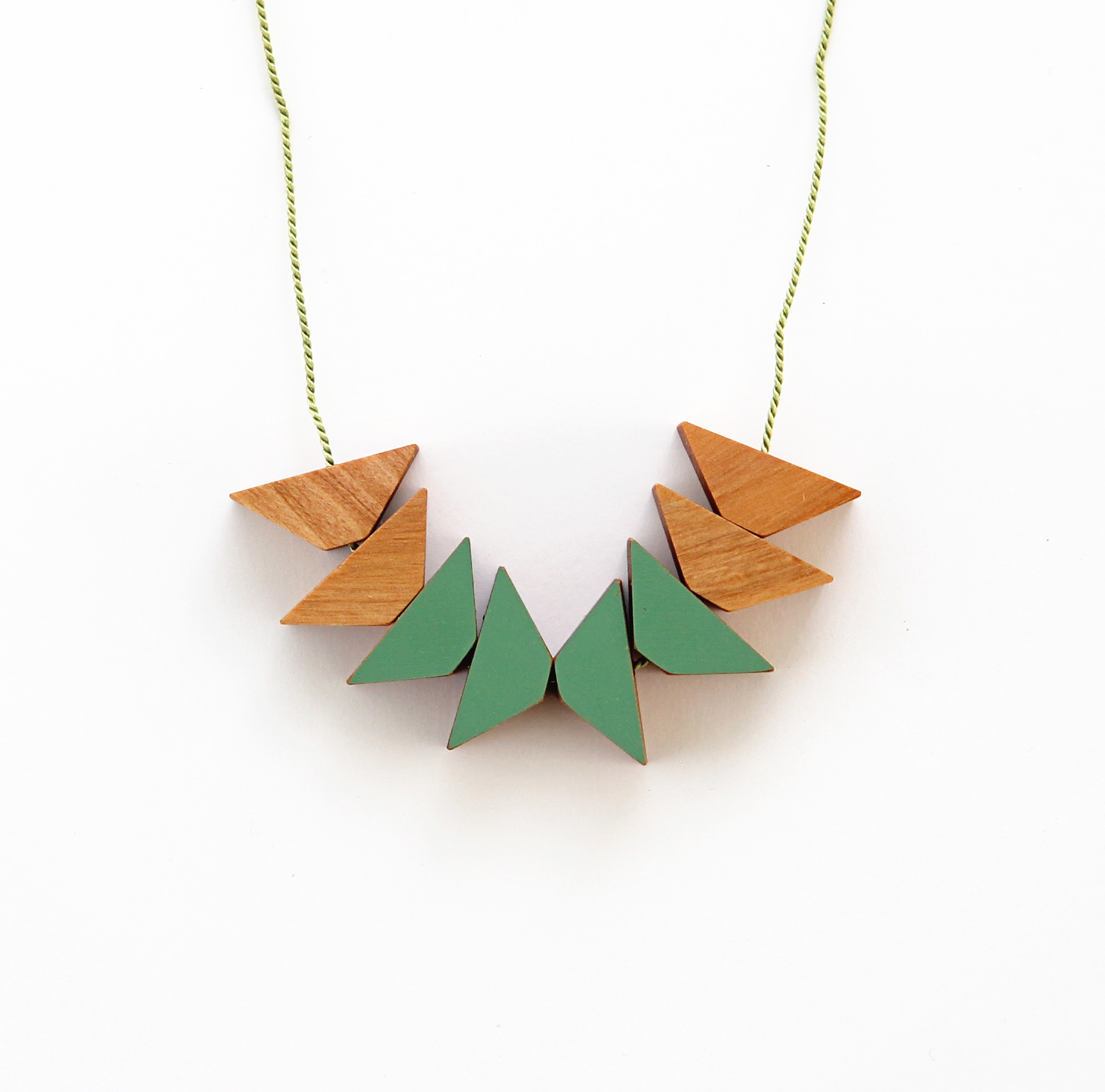Green triangles x8
