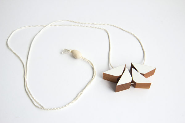 White triangles necklace