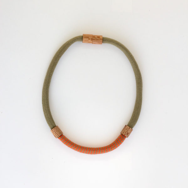 Rewarewa and Rope Necklace Short Khaki